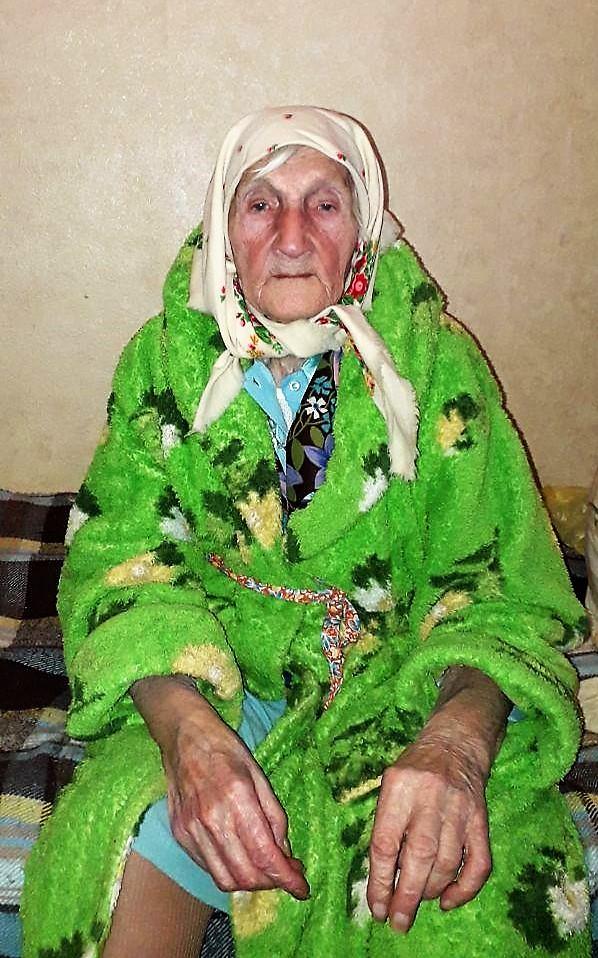 бездомная бабушка